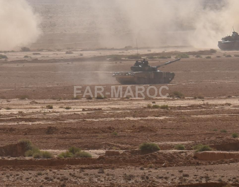 Chars T-72B/BK MArocains // Moroccan Army T-72B/BK Tanks - Page 6 49357763533_670949de4c_o