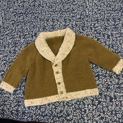 Sweet little Gramps knit by Bev! She has used Bergere de France Chinaillon and Barisienne.