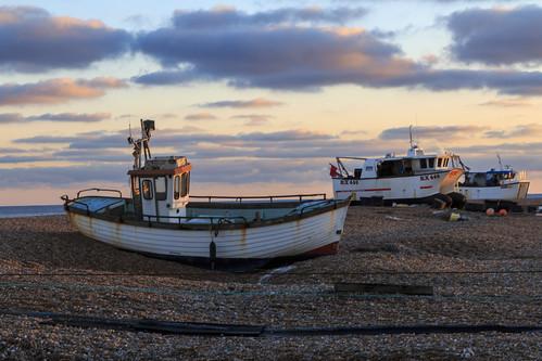 dungeness kent pebble beach sun set sunset fishing boat