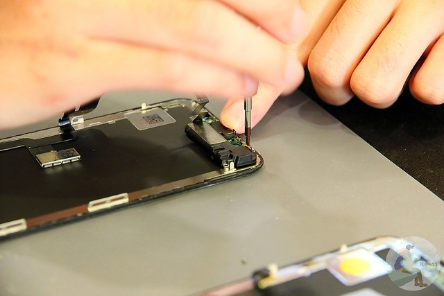 台中iPhone維修-螢幕更換過程