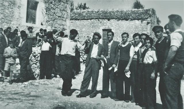 1_xoros_plateia_alexandrou_1950