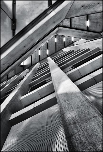 UK - London - Tate Modern - Concrete structure 01_DSC1994