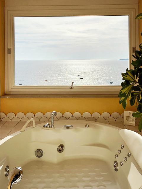 Italy 2019, Positano, Hotel Marincanto, view from our spa tub