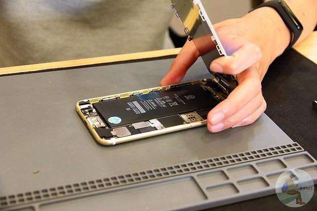 台中iPhone維修推薦-更換背膠完成