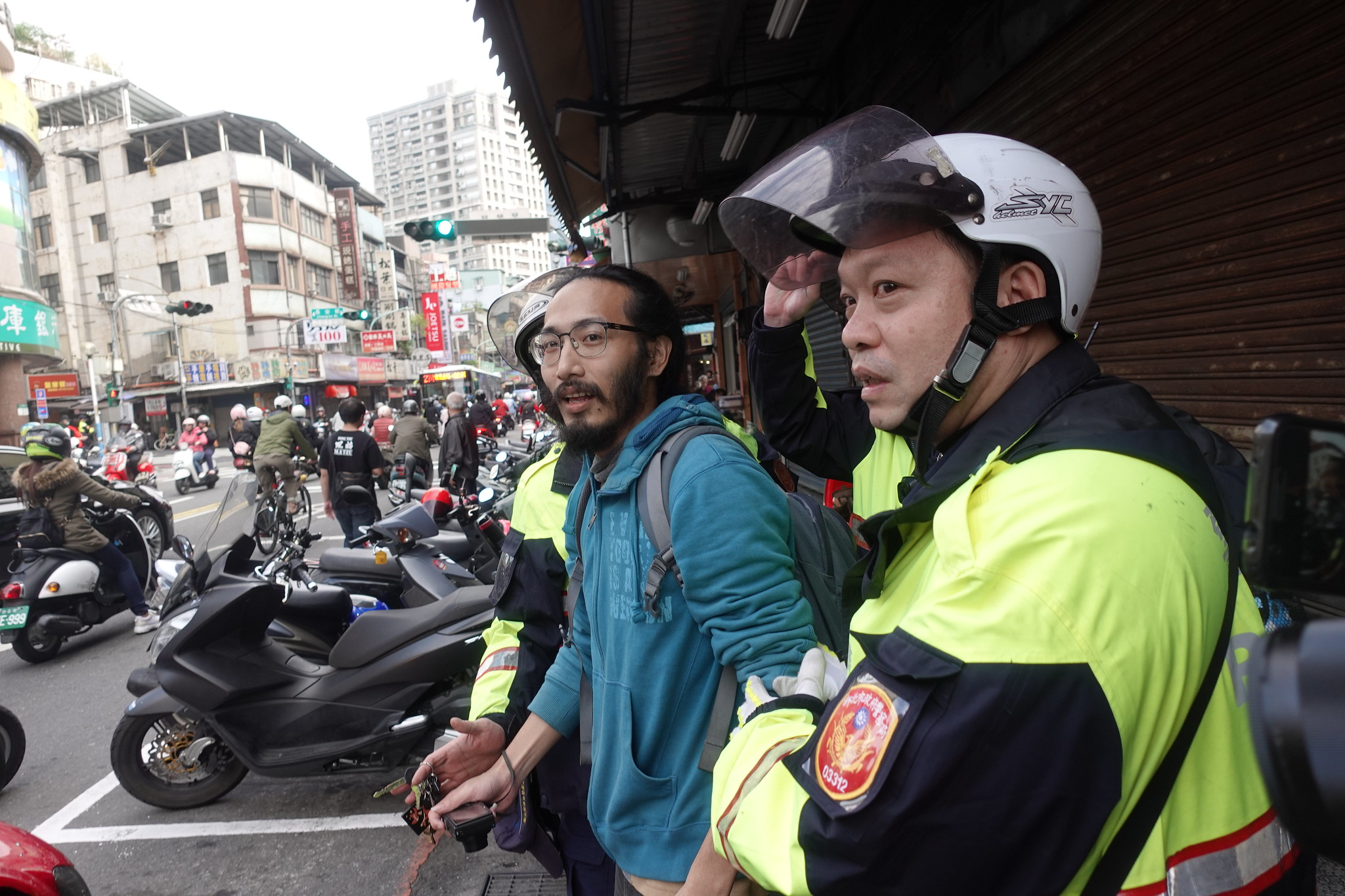 《焦點事件》記者王子豪再度被警方針對,妨礙其採訪。(攝影:張智琦)