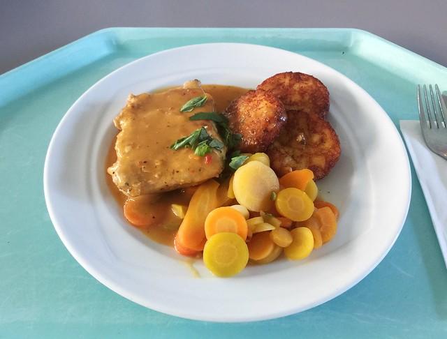 Japanese ginger steak with honey carrots & hash browns / Japanisches Ingwersteak mit Honigkarotten & Rösti
