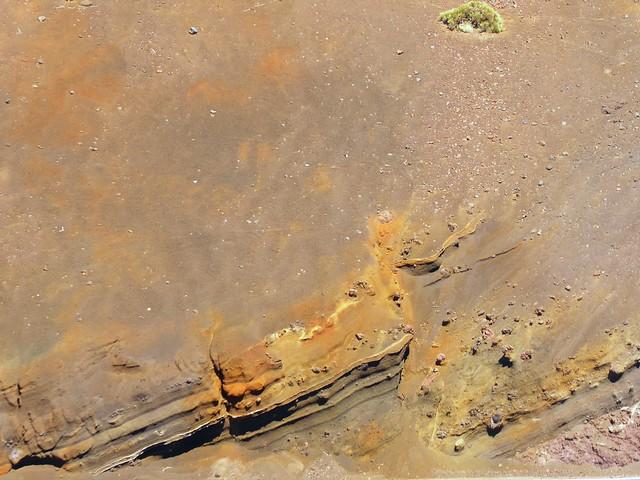 Farbenspiel vulkanischer Ablagerungen; Region Montaña Izaña, Teneriffa (147)