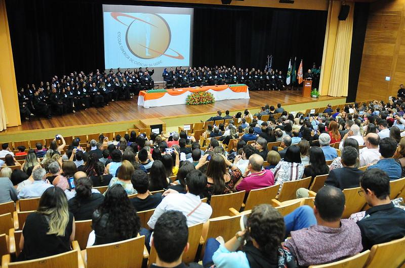 Escola Superior de Ciências da Saúde forma 122 médicos e enfermeiros