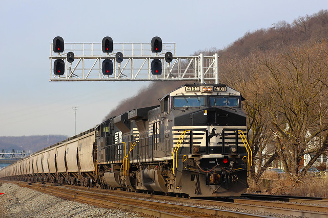 Busy day at CP Leets on the Fort Wayne Line