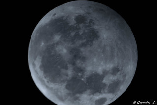 Primer eclipse lunar  penumbral de la década, en su punto máximo.A penumbral lunar eclipse