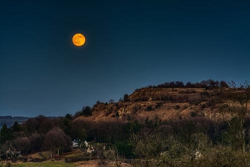 cotswolds moon wolfmoon gloucestershire d7100