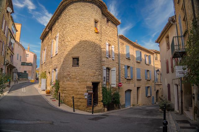 Châteauneuf-du-Pape Village