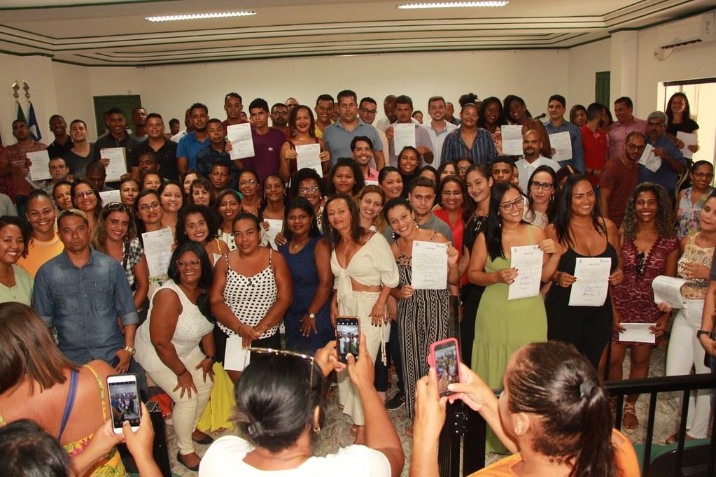 Cerimônia de posse dos candidatos classificados no processo seletivo de Alcobaça