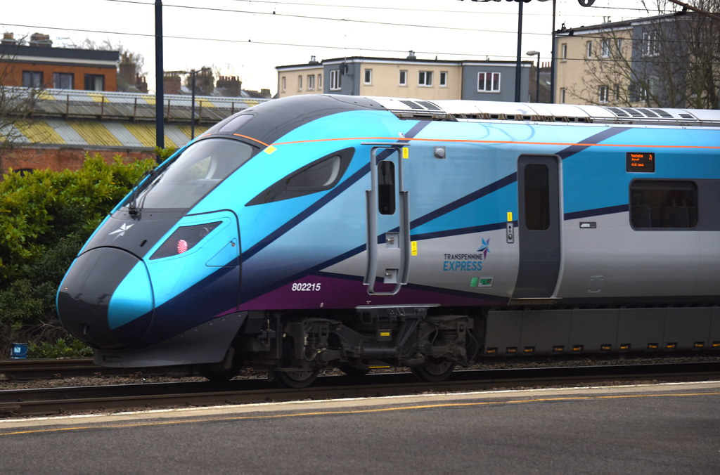 802215 TPX @ YORK with the 1P24 11.43 NEWCASTLE - MANCHEST… | Flickr