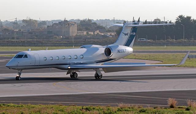 N233LT LMML 10-01-2020 Private Gulfstream G550 CN 5551