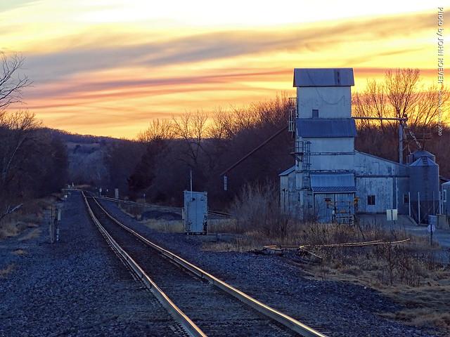 Rail tracks through Alma, 4 Jan 2020