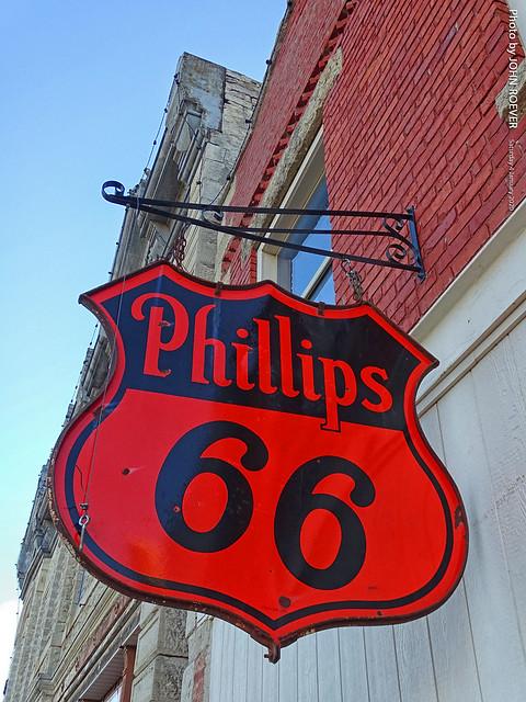 Old Phillips 66 sign in Alma, 4 Jan 2020