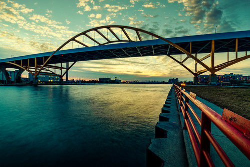 december usa danielhoanmemorialbridge sunset water city cityscape milwaukee unitedstatesofamerica urban wisconsin architecture milwaukeeriver unitedstates 2019 hoanbridge bridge