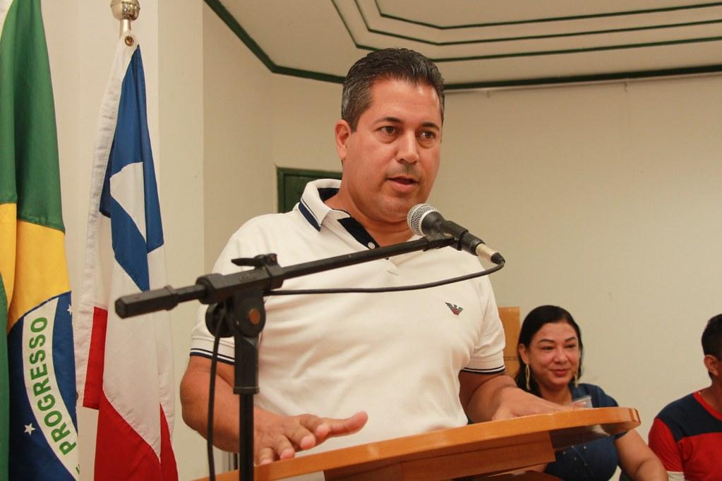 Léo Brito (Prefeito de Alcobaça) falando das ações do pacote de obras do município