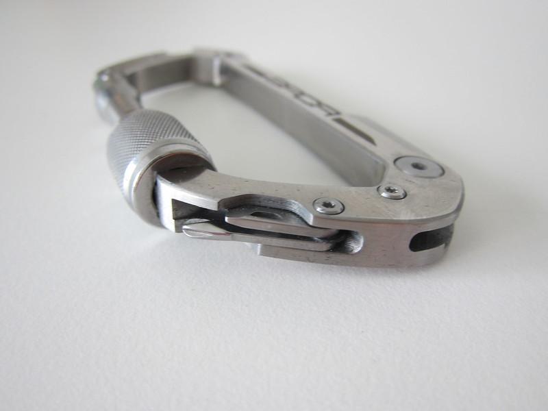 GPCA Carabiner - Right