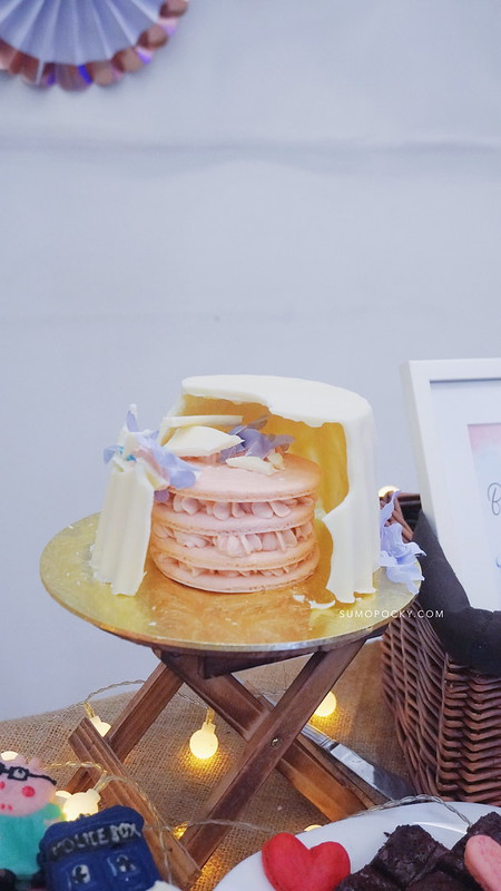 Gender Reveal Macaron Cake Recipe