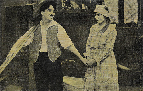 Charlie Chaplin and Edna Purviance in A Dog's Life (1918)