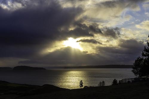 pugetsound chambersbay sunset fence ketronisland crepuscular rays pnw