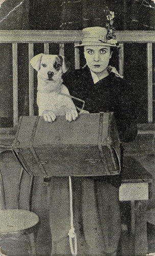 Edna Purviance in A Dog's Life (1918)