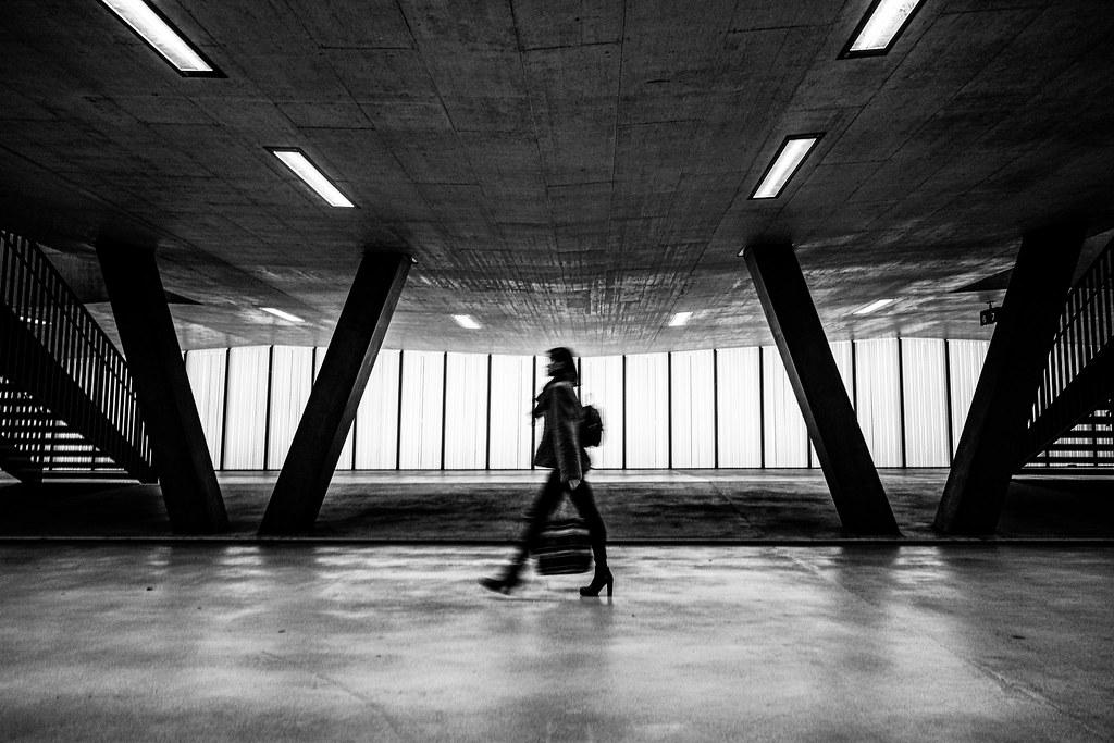 Catwalk am Bahnhof Zürich Oerlikon