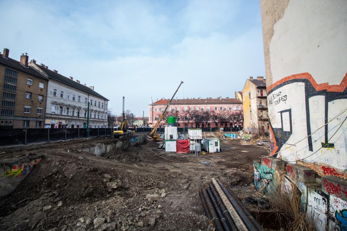 Mit tudni eddig a Centrum Palace-ról?