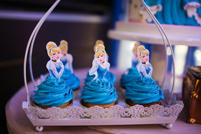 Cinderela themed cupcake