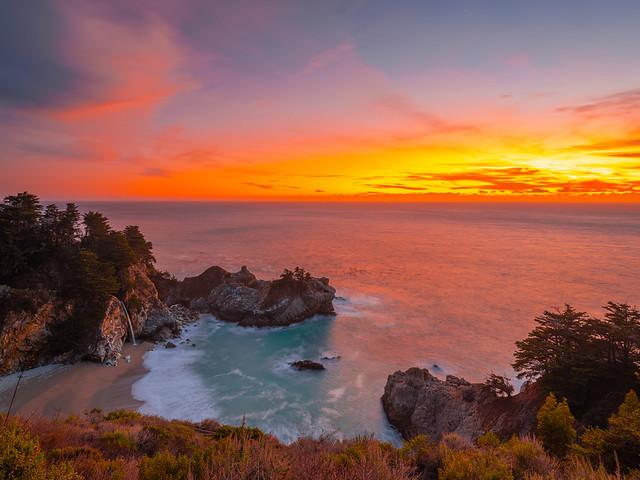 Big Sur McWay Falls Julia Pfeiffer State Beach California Fine Art Landscape Nature Fuji GFX100 Sunset Photography! Dr. Elliot McGucken dx4/dt=ic California Master Fine Art Fuji GFX 100 Medium Format Photographer! Wide Angle Lens!
