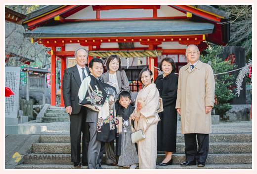大縣神社でお宮参りと七五三 家族・親族の集合写真