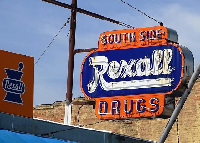 IA, Ottumwa-South Side Rexall Drugs Neon Sign