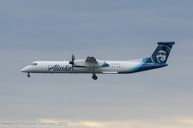 N438QX - 2008 build Bombardier Dash 8-402, on approach to Runway 16R at SeaTac