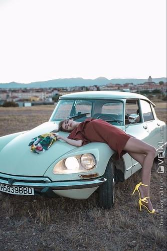 Citroen DS Girls & Cars Photo