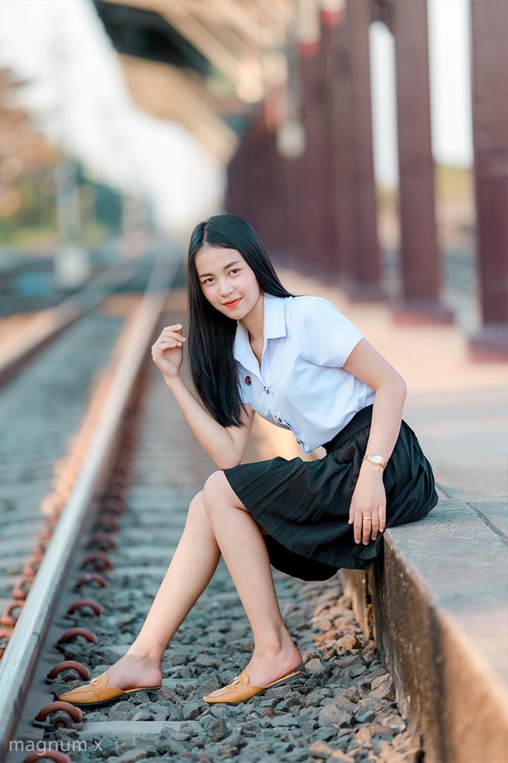 ภาพถ่ายชุดนักศึกษา พรีเซ็ตโทนนักศึกษา สูตรกรีนโกลด์