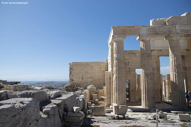 Antiikin aikaisia raunioita Akropolis-kukkulalla