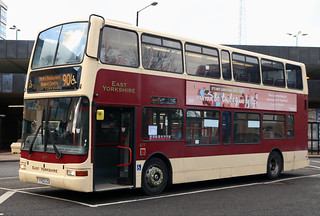 East Yorkshire Motor Services: 677 YY52LCU Volvo B7TL/Plaxton President