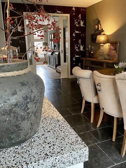 Kruik op zuil Riviera Maison stoelen