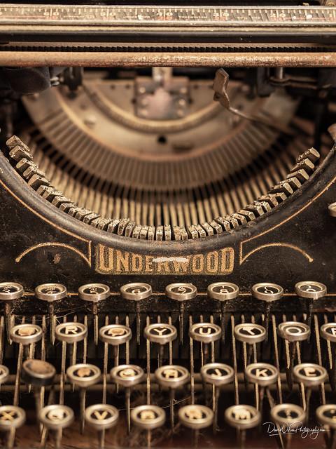 Typewriter, Blanco