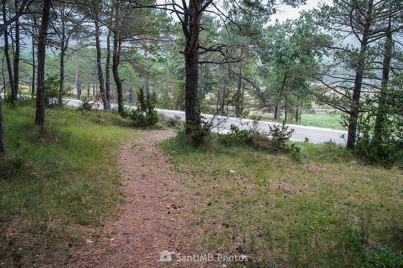 Llegando a la carretera de la Febró en dirección a los Avencs