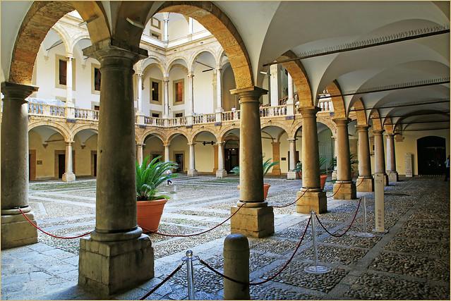 Cour Maqueda, Palais des Normands, Palerme, Sicile, Italie