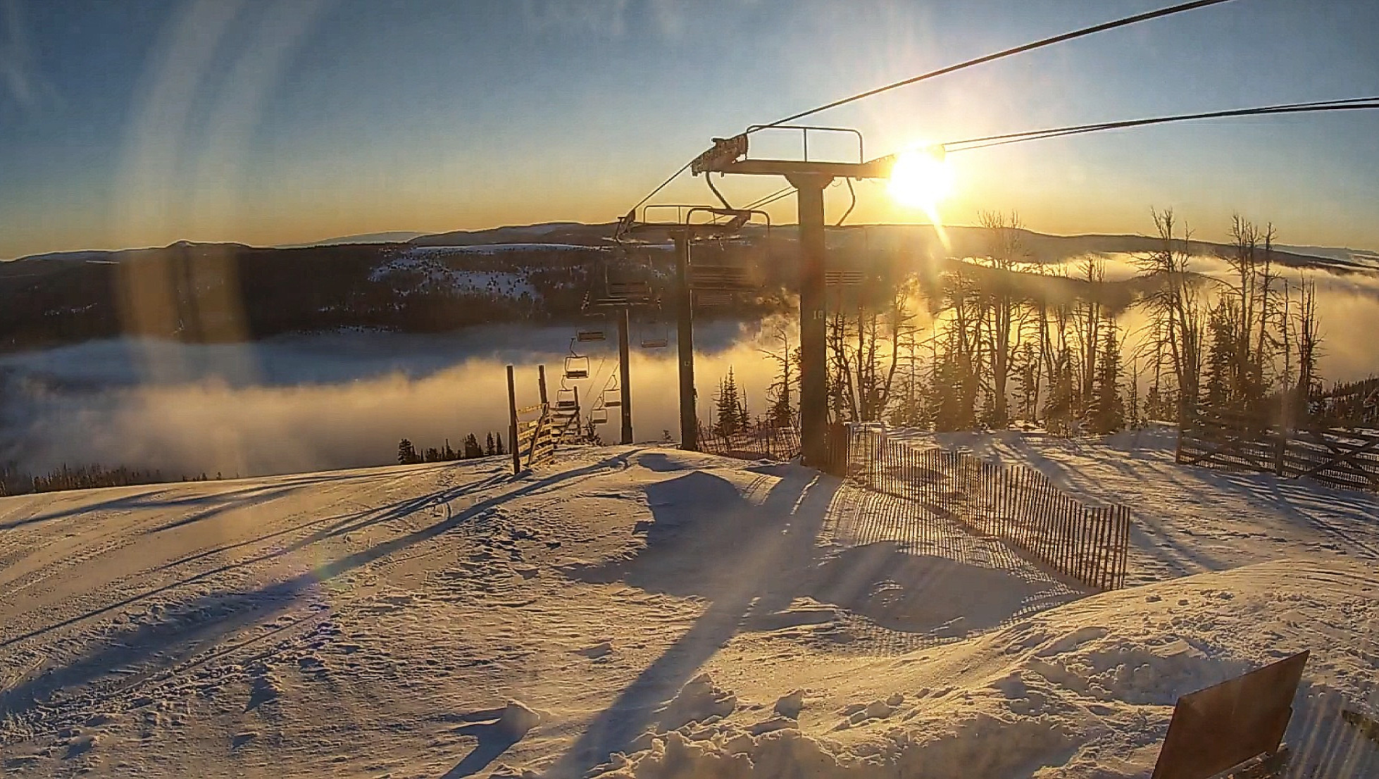 Webcam located on top of Porphyry Peak from the Triple Chair terminal at Showdown Montana