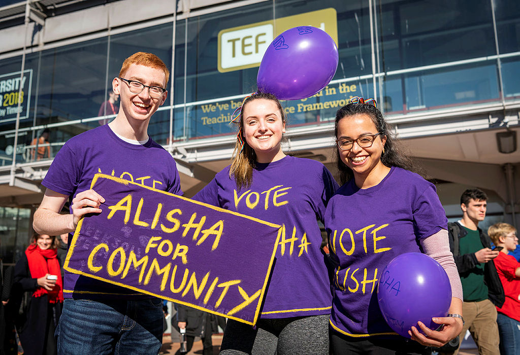 Students campaigning for the SU election.