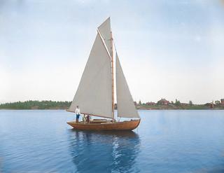 A sailing boat in the Finnish archipelago in 1923