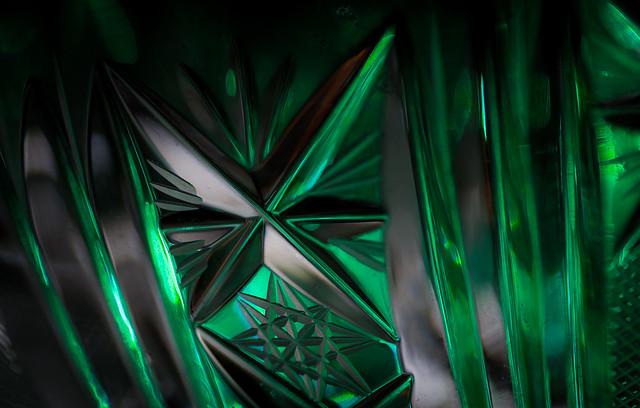 tiny cristal triangles
