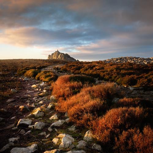 stiperstones nature reserve shropshire hills sunrise morning light rock formation fuji