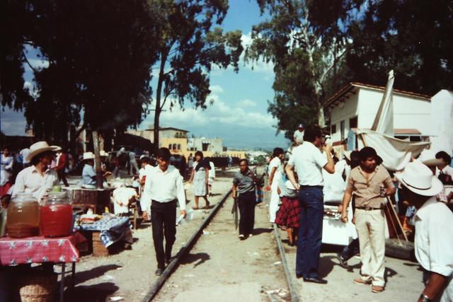 線路上のマーケット