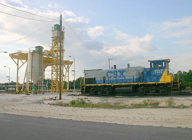 Equipment for Adding (Traction) Sand to Locomotives